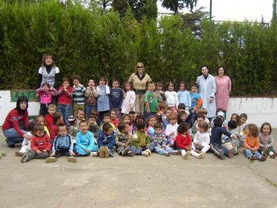 Los niños/as de la guardería nos visitan.